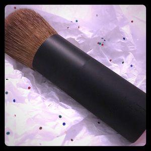 NARS bronzing powder brush #11